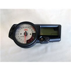 Cuadro relojes (anclajes rotos) / Suzuki GSX-R 1000 K4