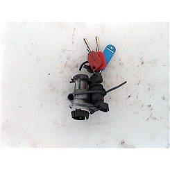 Clausor con llaves / Peugeot Elystar 50